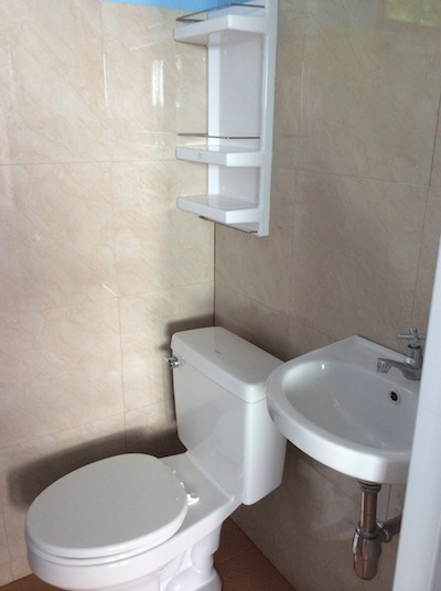 En-Suite Toilet & Shower